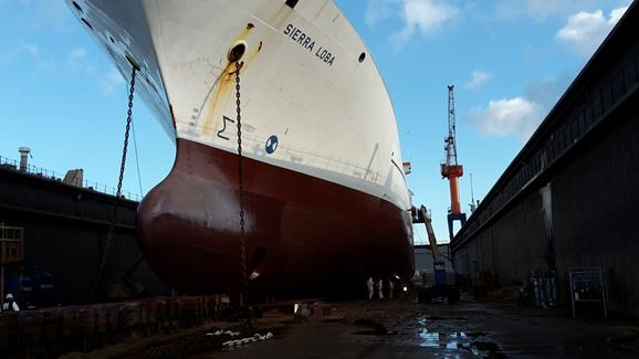Humidur® protects hull of reefer Sierra Loba