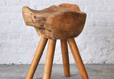 Na de Eames Chairs, tijd voor een nieuwe trend: de Stool Apollo Kroak